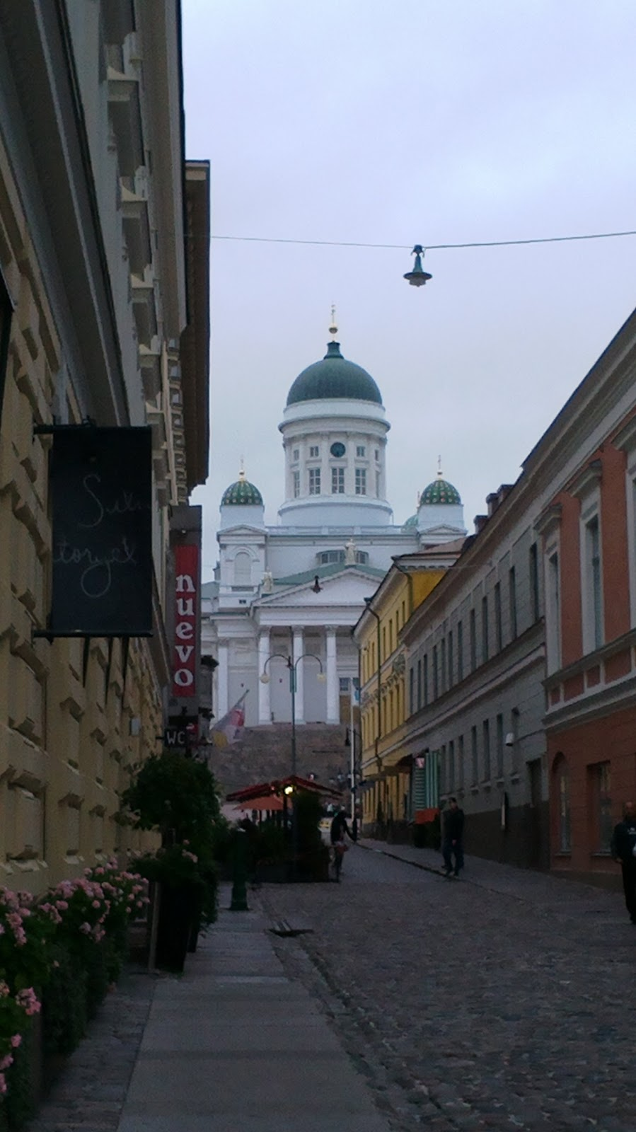 Iltakävely Helsingin keskustassa An evening walk in the centre of Helsinki