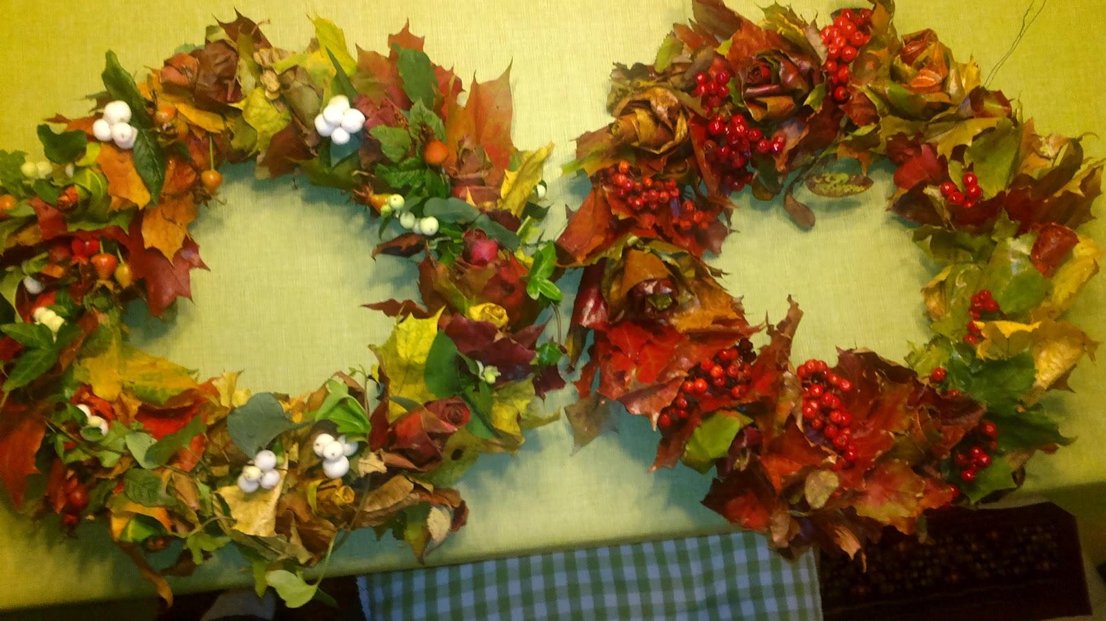 Lisää kransseja ja tulppaaneja – More wreaths and tulip bulbs