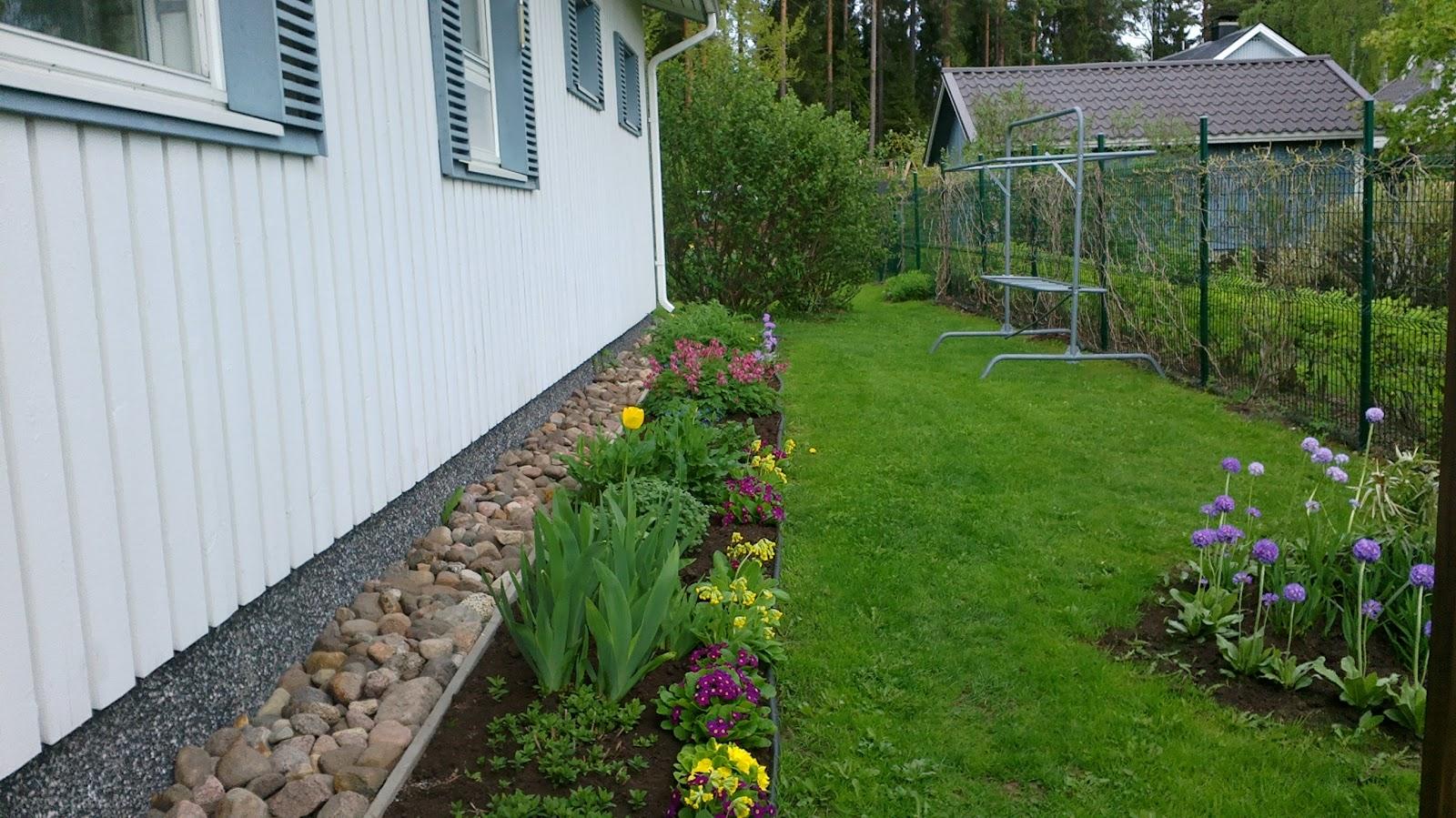 Puutarhavuosi 2012 – Gardening 2012
