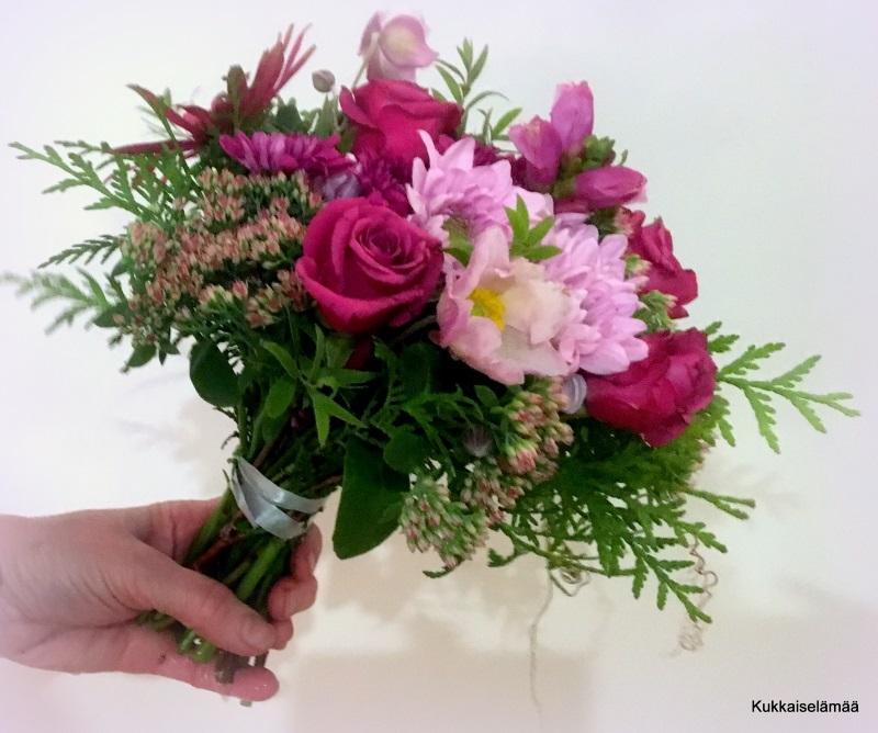 Kukkia sinne ja tänne…