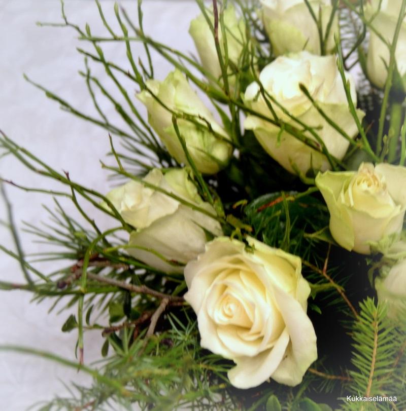 Vähän jouluisempia  kukka-askarteluja