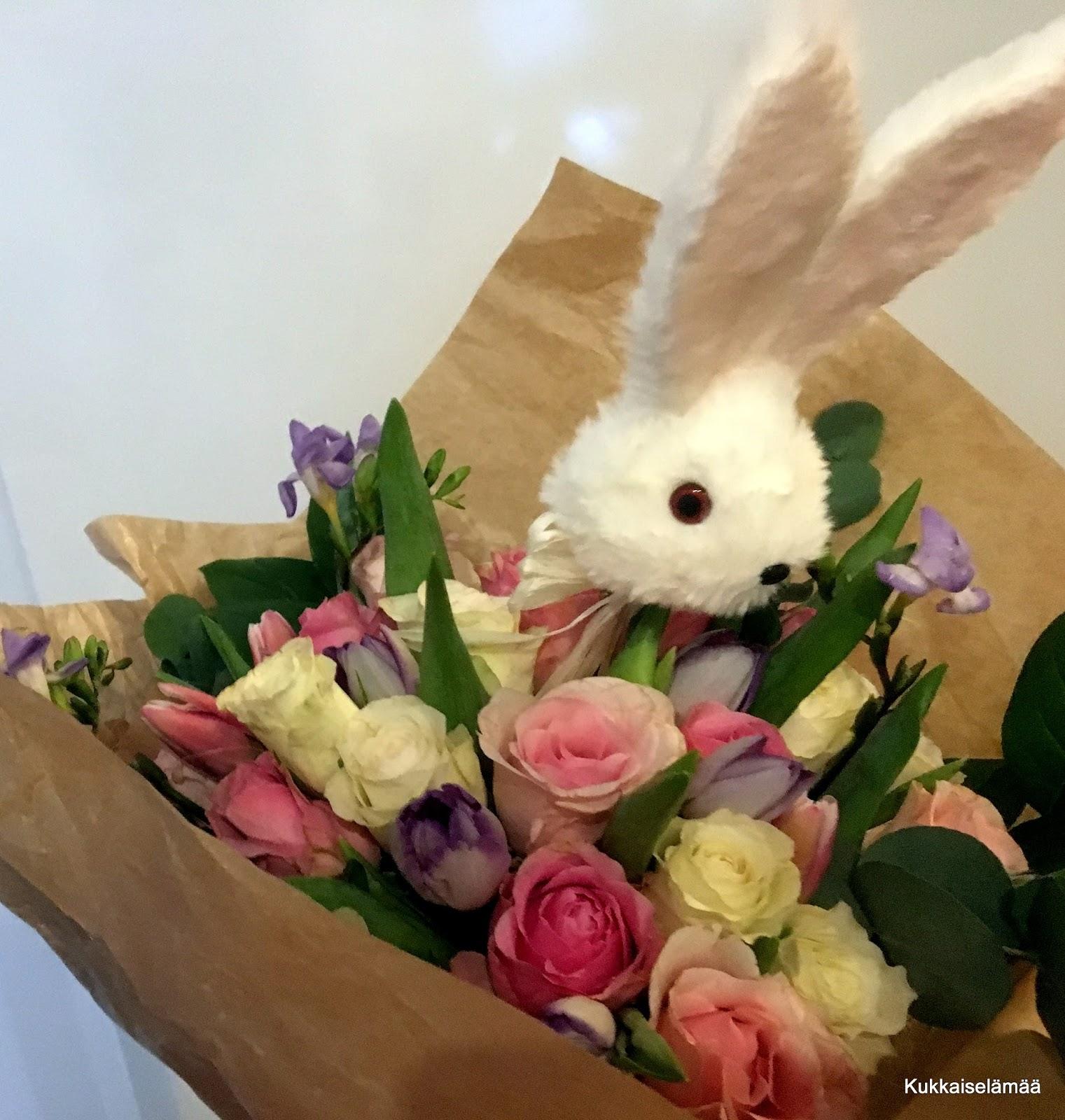 Mitä syntyy ämpärillisestä kukkia?