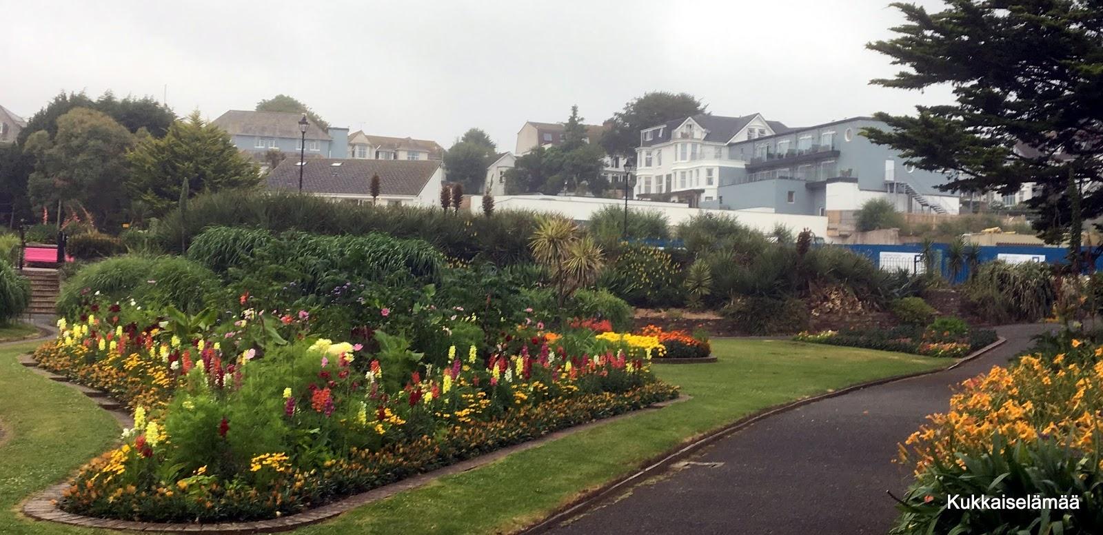 The Queen Mary's Garden ja vähän muutakin…