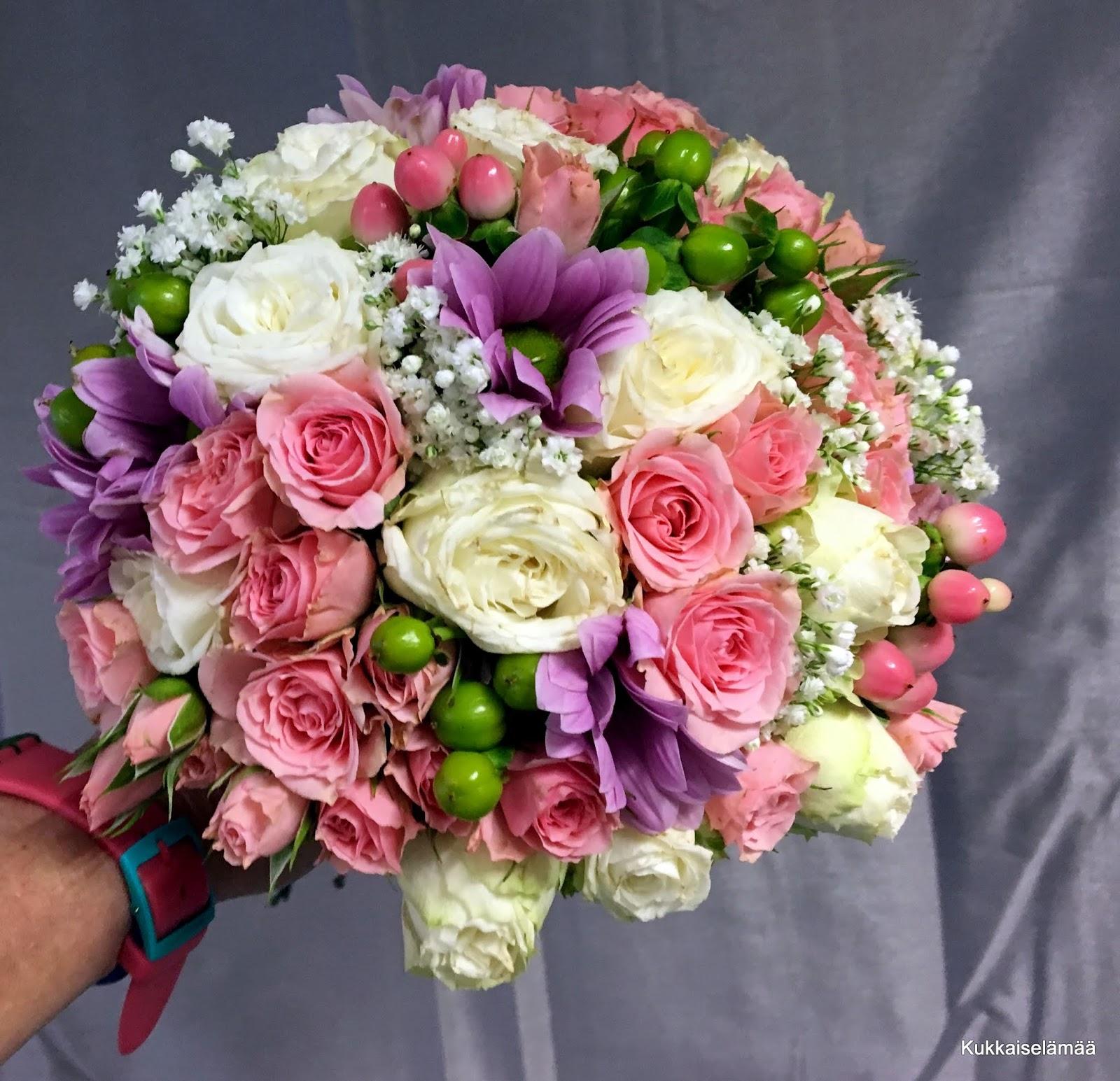 Kukkia ja Morttia!