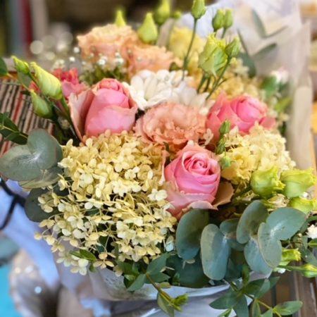 Kukkia ja kransseja